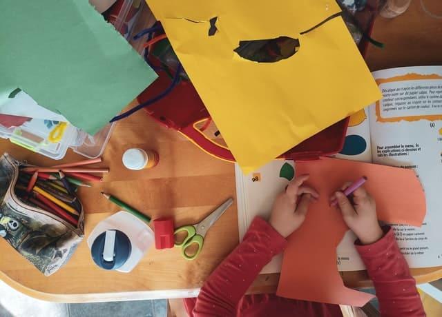 7 activitati ce ajuta copilul sa se dezvolte